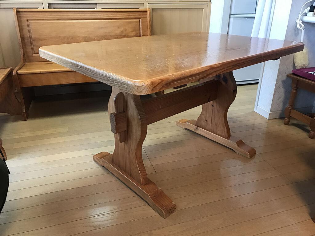 お客様のご自宅で拝見したリメイクするダイニングテーブル