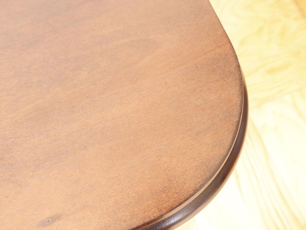 塗装を剥がし磨きなおしてから再塗装したテーブル天板