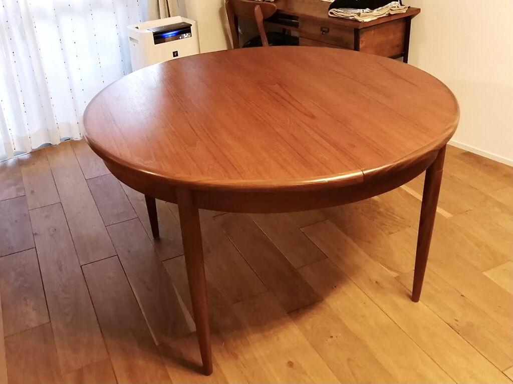 リメイクしてお客様のお家に搬入することができた円形テーブル
