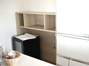 壁面収納家具をキッチンボードとして使えるようリサイズ アイキャッチ