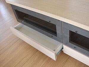 壁面収納棚の一部をローテーブルにリメイク アイキャッチ