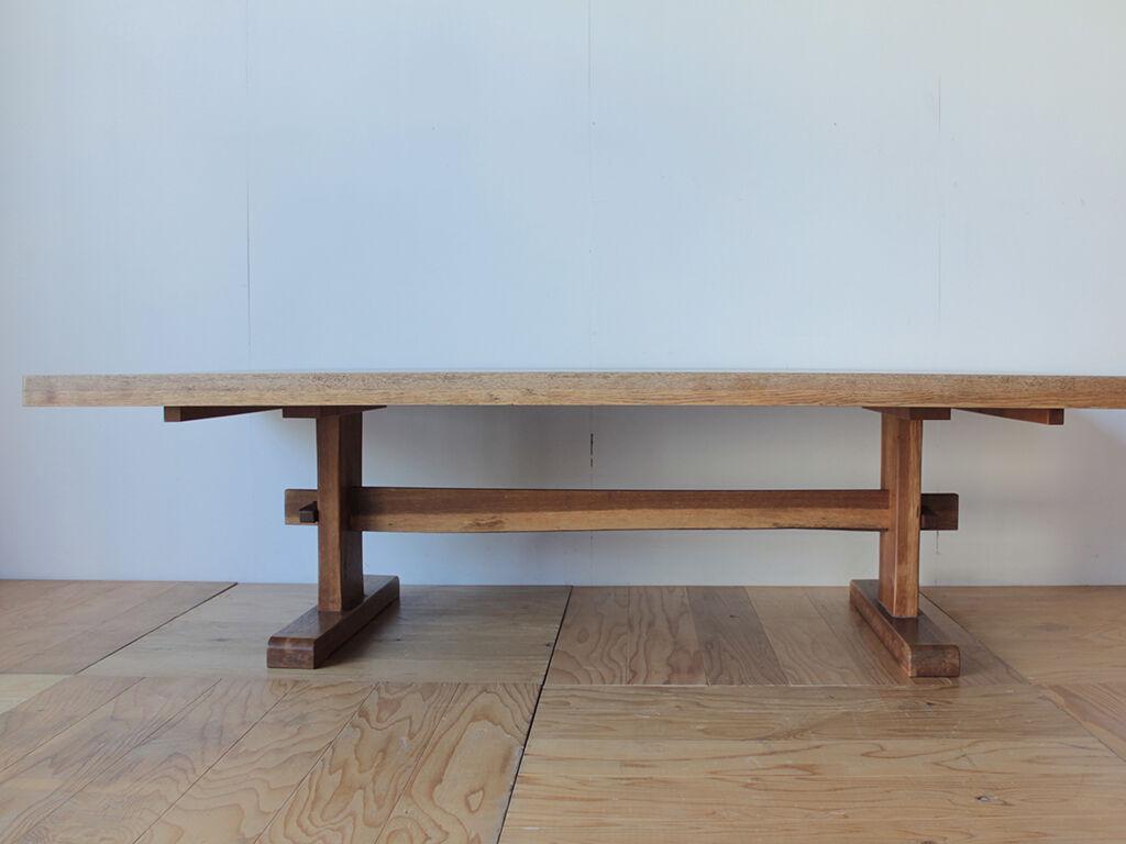 2台に分割して別々に使うことも並べて使うこともできるようにリメイクしたいとご希望いただいたダイニングテーブル