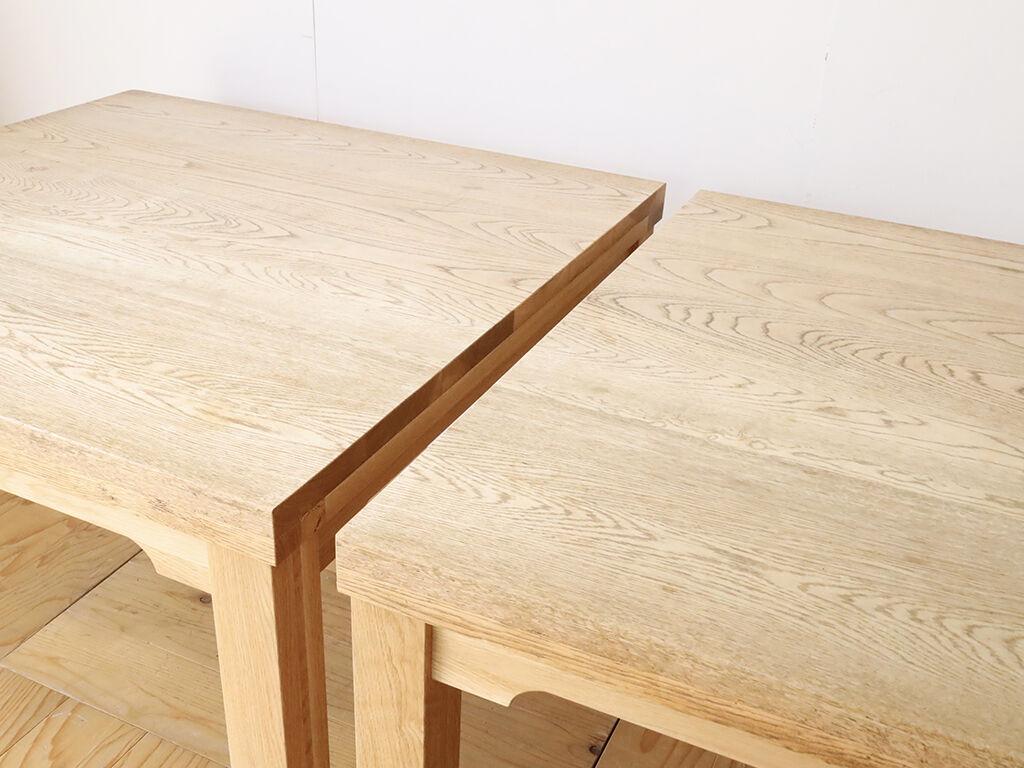2台に分割したダイニングテーブルの分割面