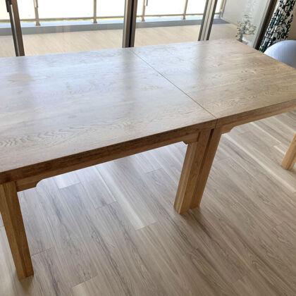 2台に分割したダイニングテーブルの納品写真