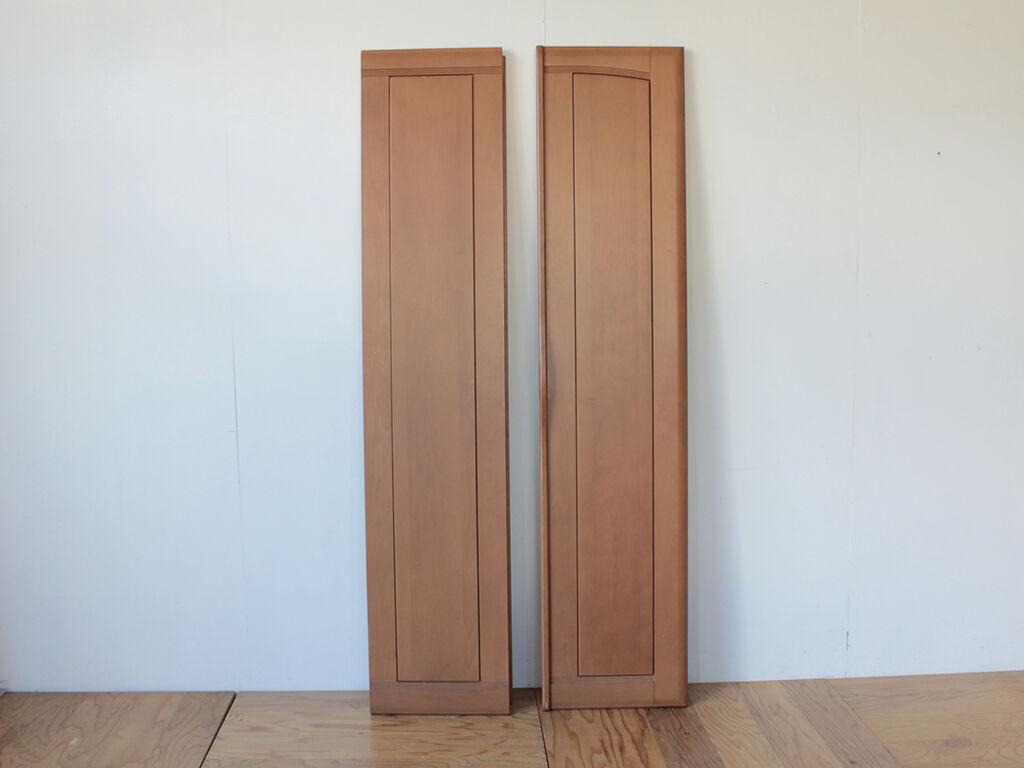 食器棚の側板に活かしてリメイクする洋服タンスの扉