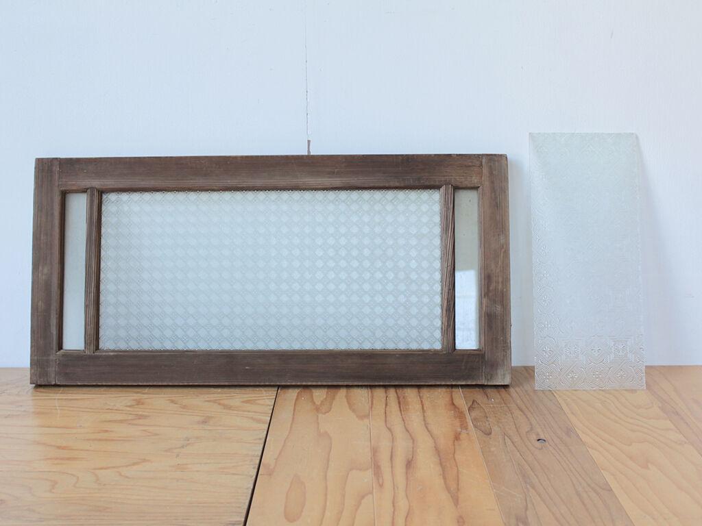 食器棚の戸に活かしてリメイクするガラス板