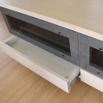 壁面収納棚の引き出しをリサイズしてローテーブルとして使い勝手の良いようにリメイク