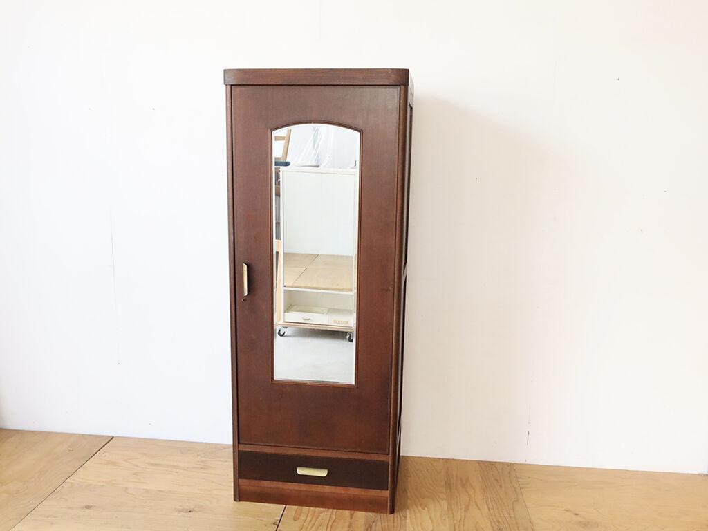 鏡付き扉と引き出しを活かしながら一回り小さいサイズにリメイクした洋服タンス